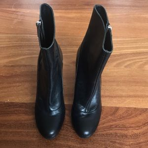 Coach zip boots size 6 - round toe - comfortable
